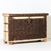 IFU0819-49 Vintage Indian Chest