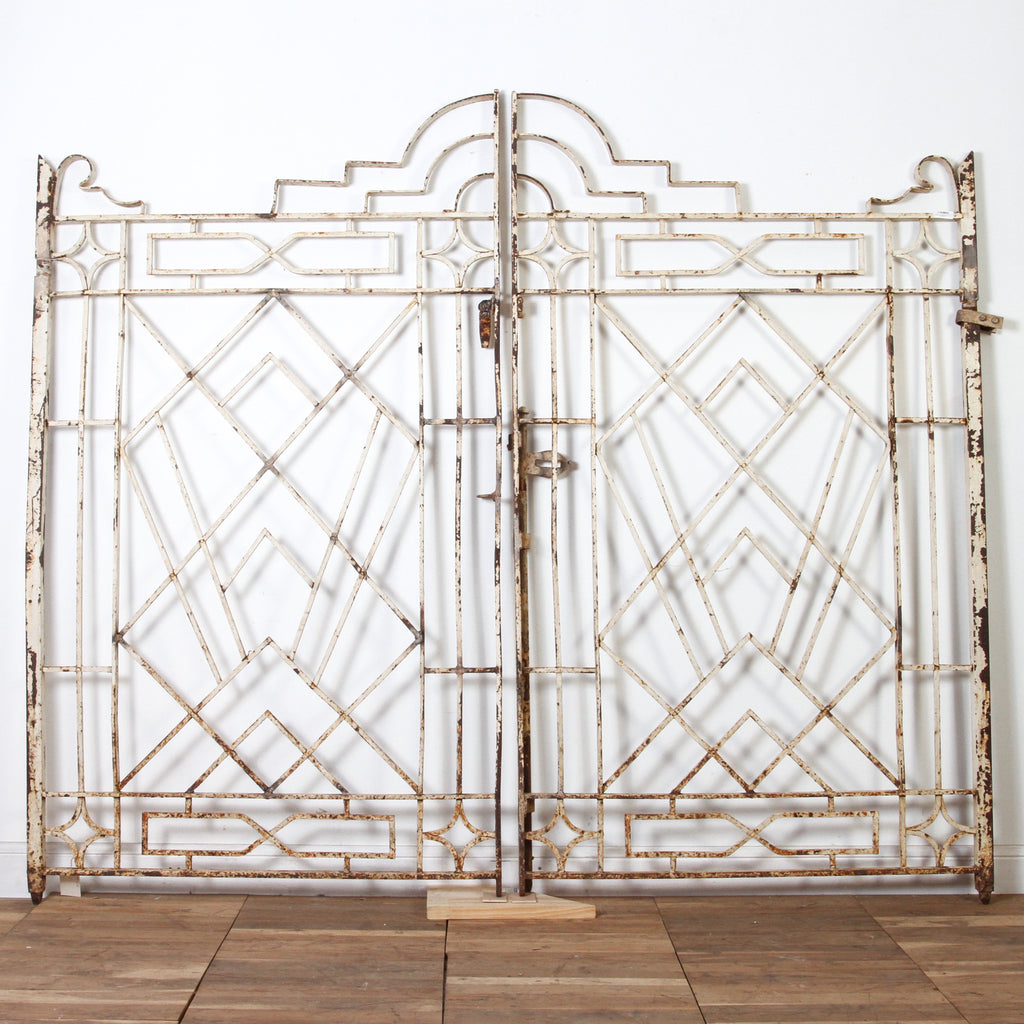IAE0517-01 Vintage Indian Iron Gates