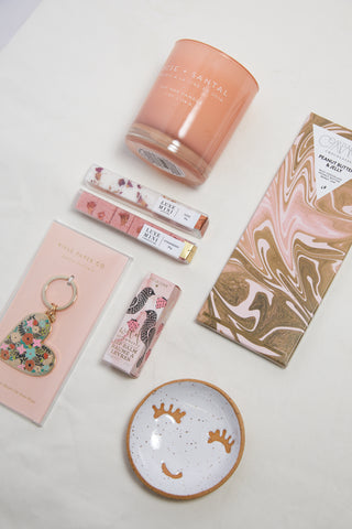 V-Day Flat Lay gift guide