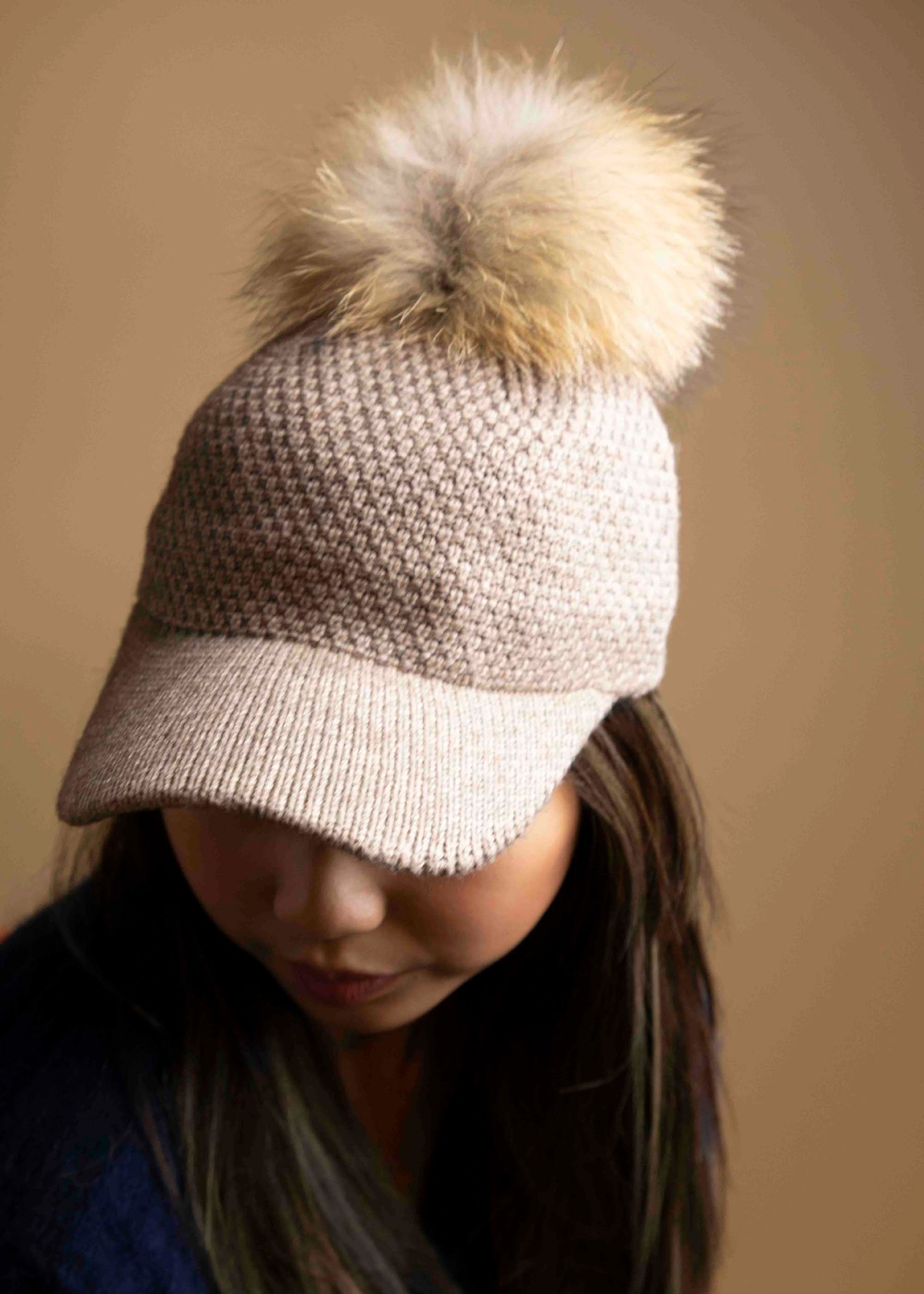 Knitted Baseball Cap With Fur Pom Pom Picnic-SF