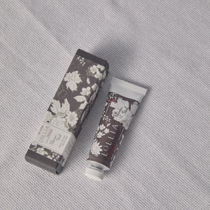 In Love Shea Butter Handcream - P I C N I C