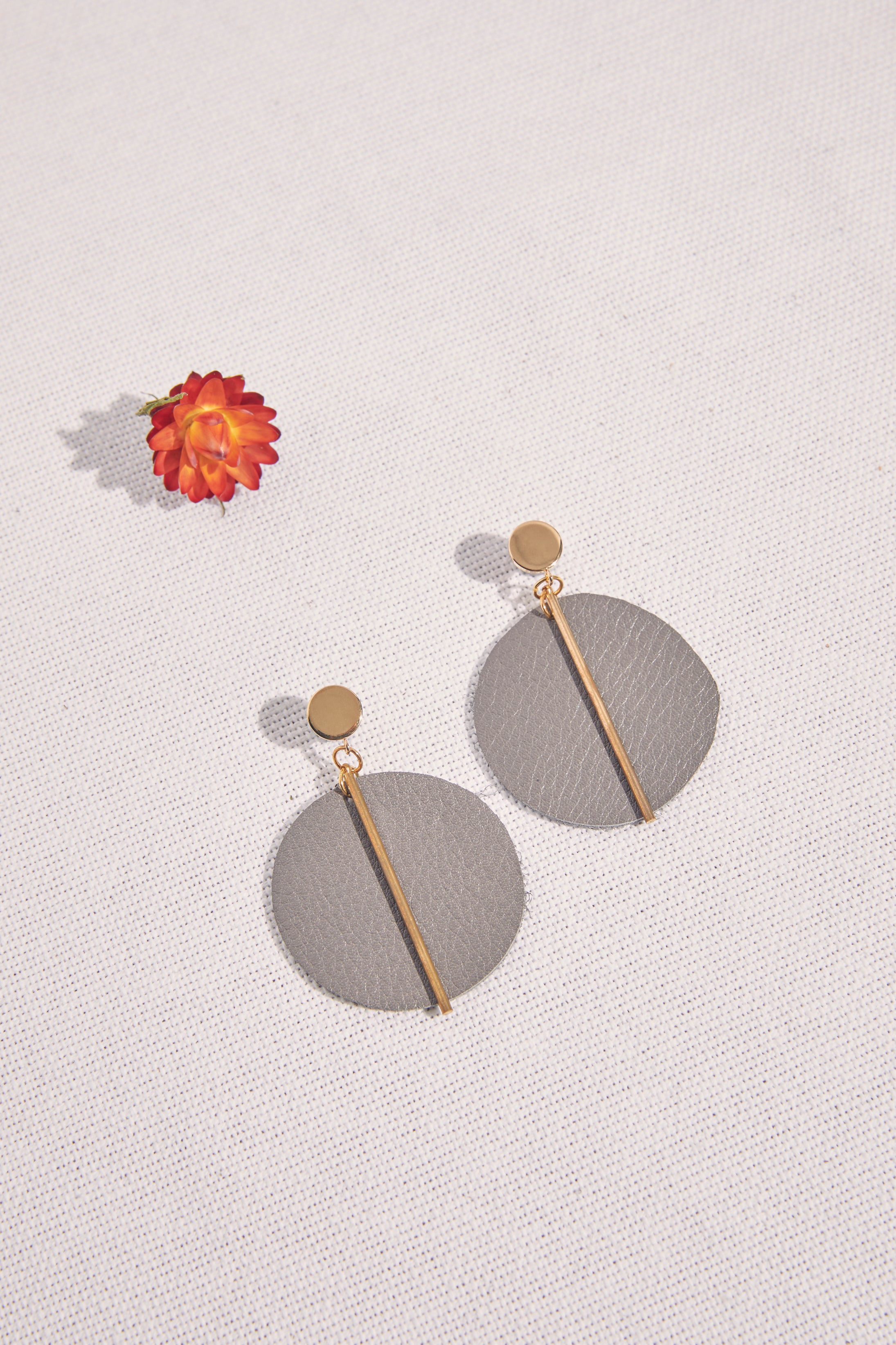 Olive Leather Circle With Brass Earring - P I C N I C