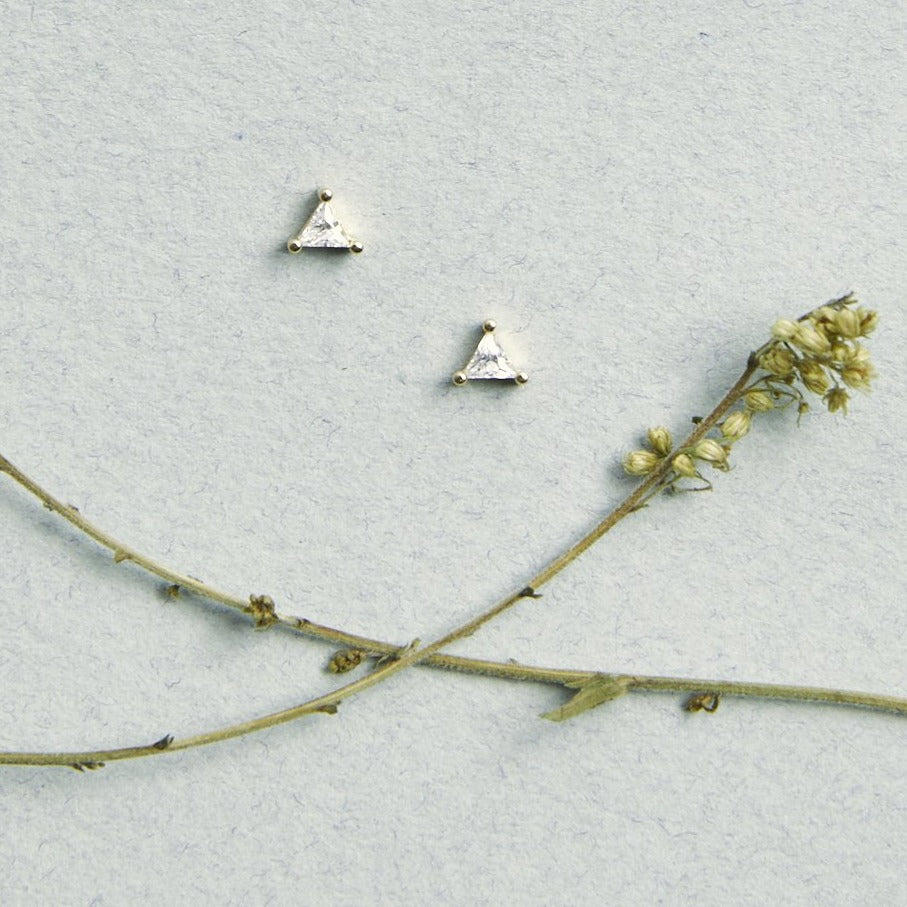 Triangle Solitaire Studs Earrings - picnic-sf