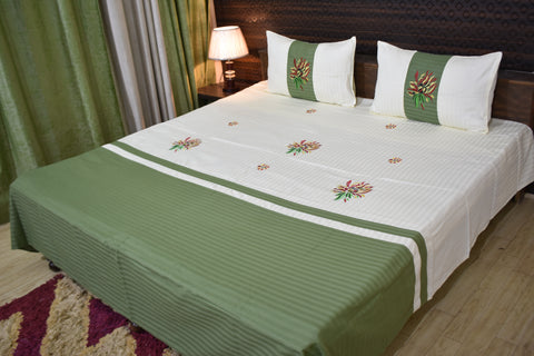Fabby Royal Designer kingsize Embroidered Bedsheet