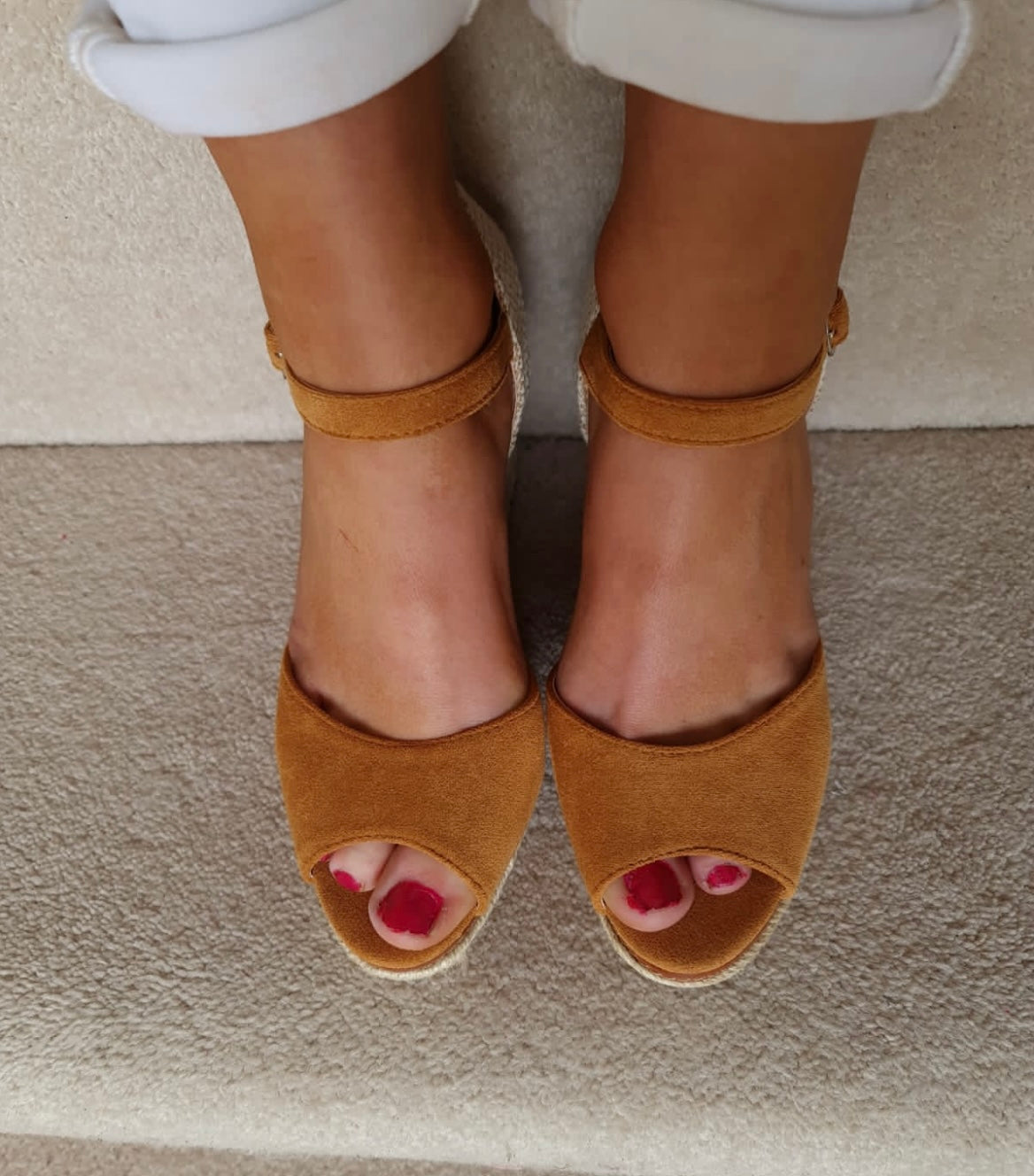 Noel Wedges Tan
