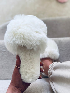 Faux fur slide slippers cream