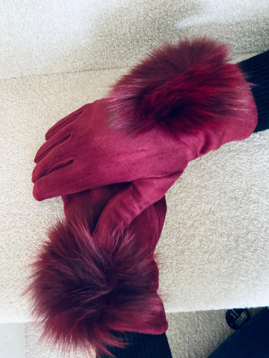 Pom Gloves Ruby