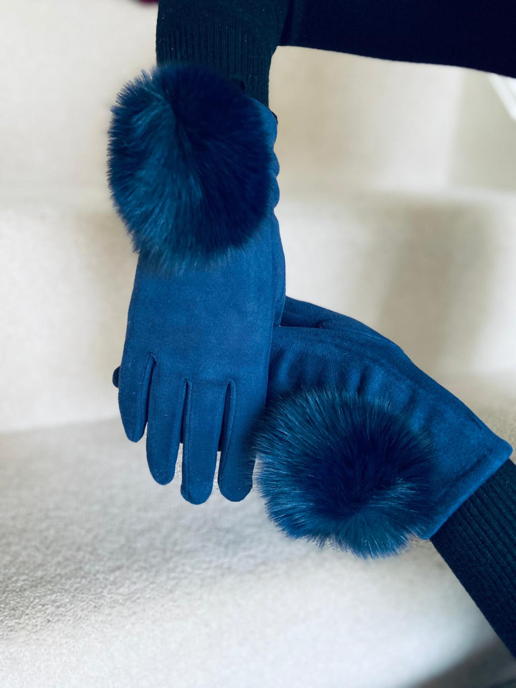 Pom Gloves Navy
