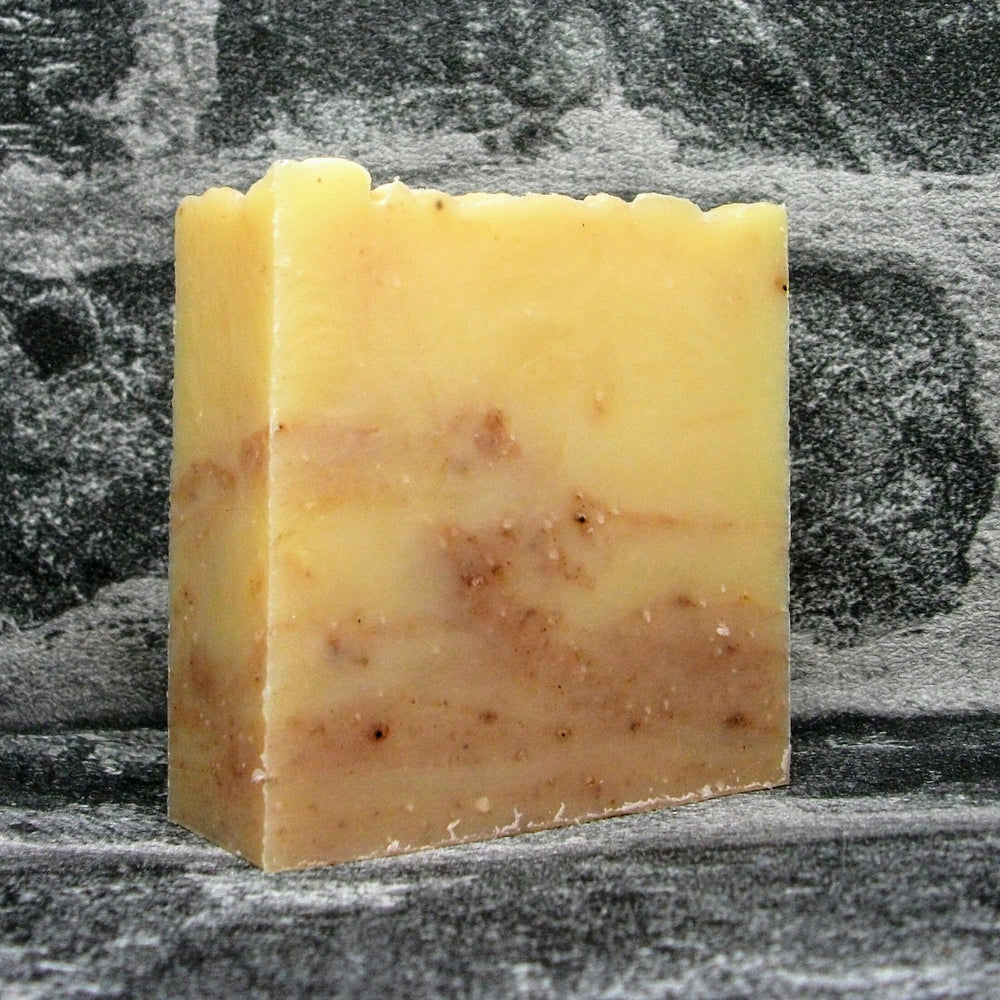Lomond Soap Geranium & Rosehip Soap Bar Unboxed