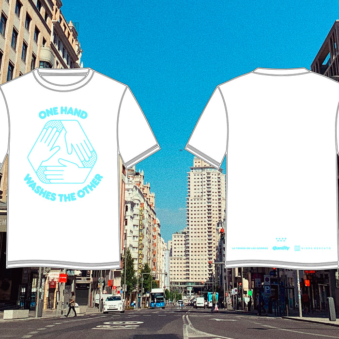 "CAMISETA ""ONE HAND WASHES THE OTHER"""