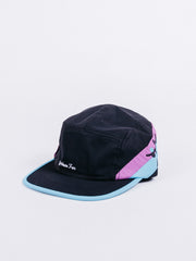 gorra JUST HAVE FUN Happy Camper 5 Panel Black Hat visera plana cinco paneles ajustable