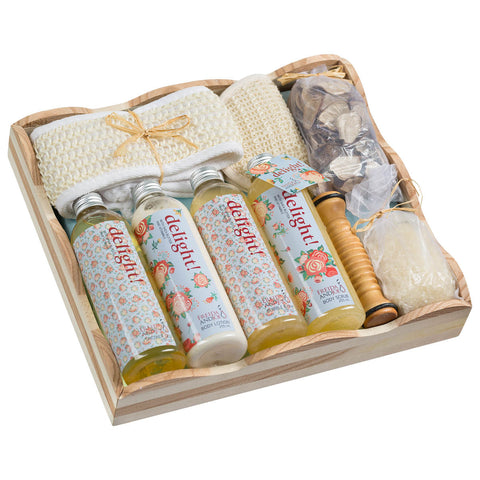 Delight ! Wood spa vintage gift basket - Freida & Joe