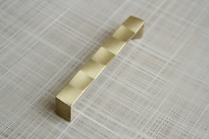 Colmar Pull - Satin Brass - C/C 128mm