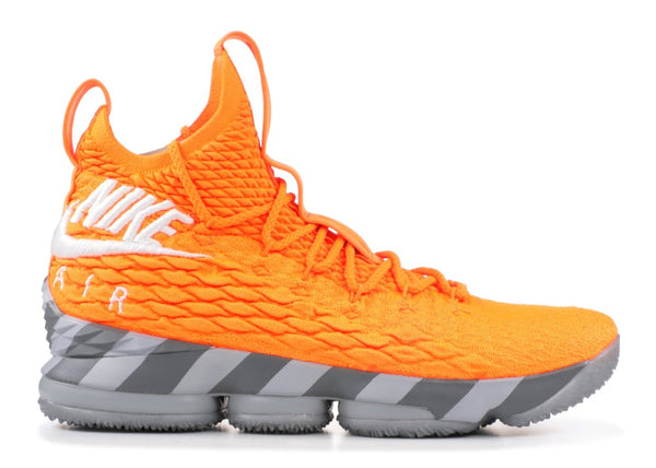 LEBRON 15 ORANGE BOX (HOUSE OF HOOPS SPECIAL BOX AND ACCESSORIES) - AR5125-800
