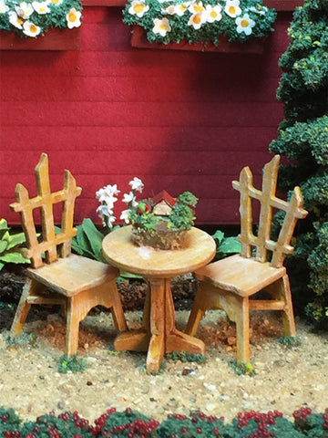 CRANBERRY COTTAGE - OUTSIDE TABLE & CHAIRS