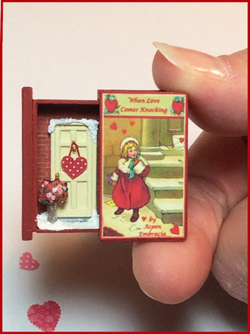 Teeny Weeny Secret Book - WHEN LOVE COMES KNOCKING