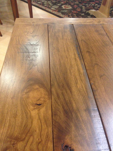 amish tables saw marks