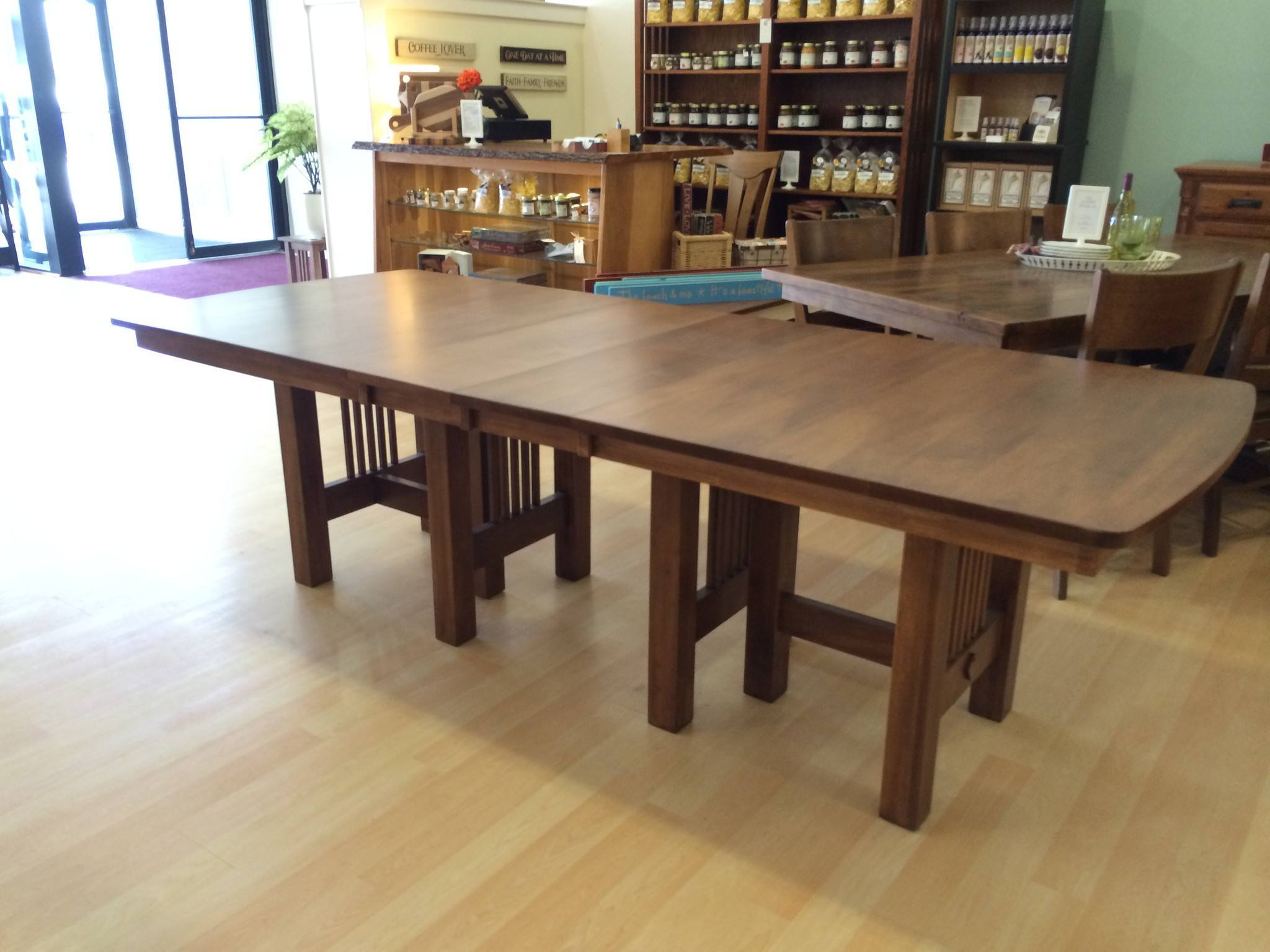 The hartford extendable dining table seats 12 up to 20 for Table 6 in as 3725