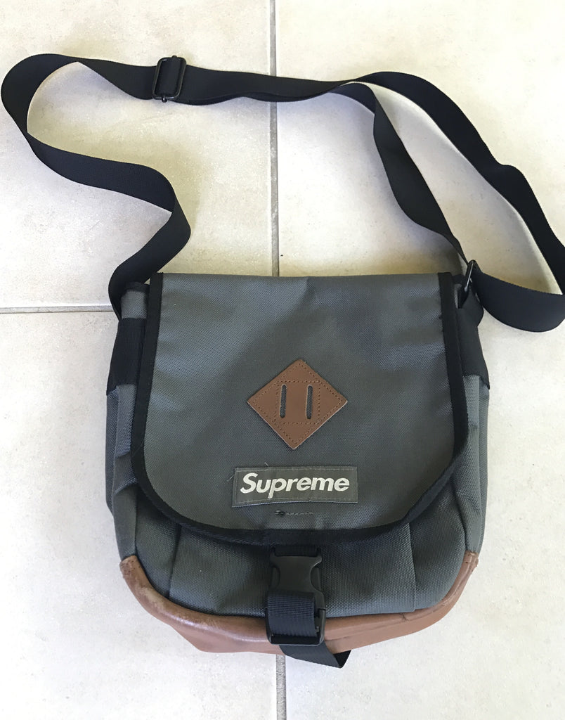 Supreme shoulder bag 2006
