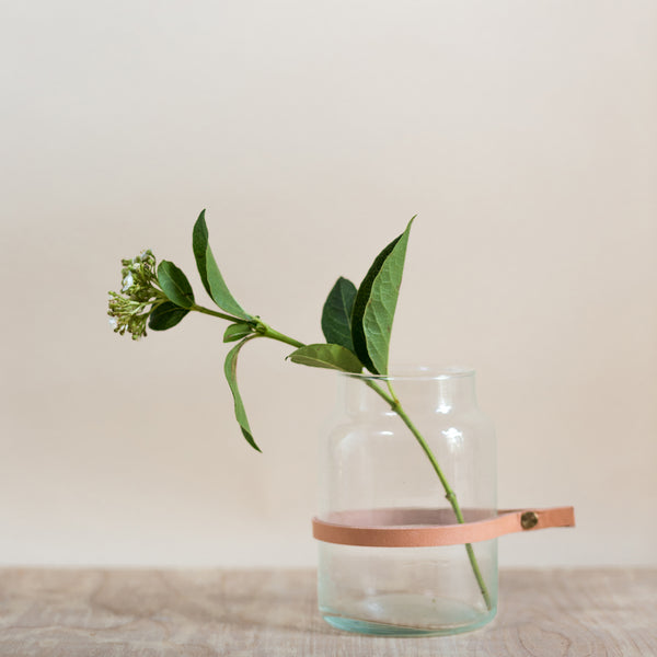 rose and ammi flowers Edinburgh florist glass vase with leather strap