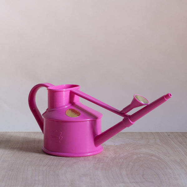 Haws 0.7L plastic watering can - pink