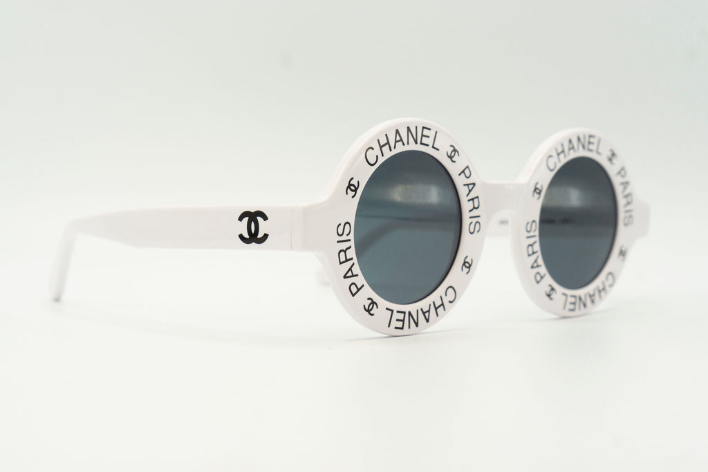 Chanel 01944 10601 - White & Black