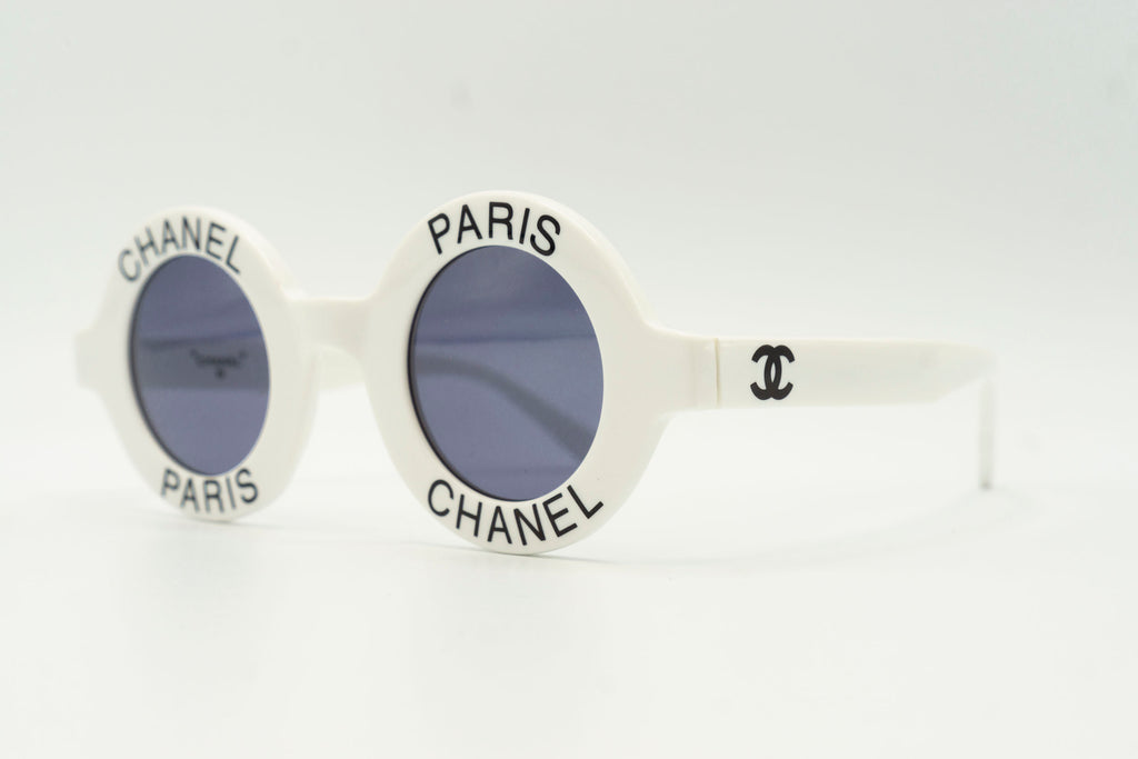 Chanel 01945 10601 - White & Black