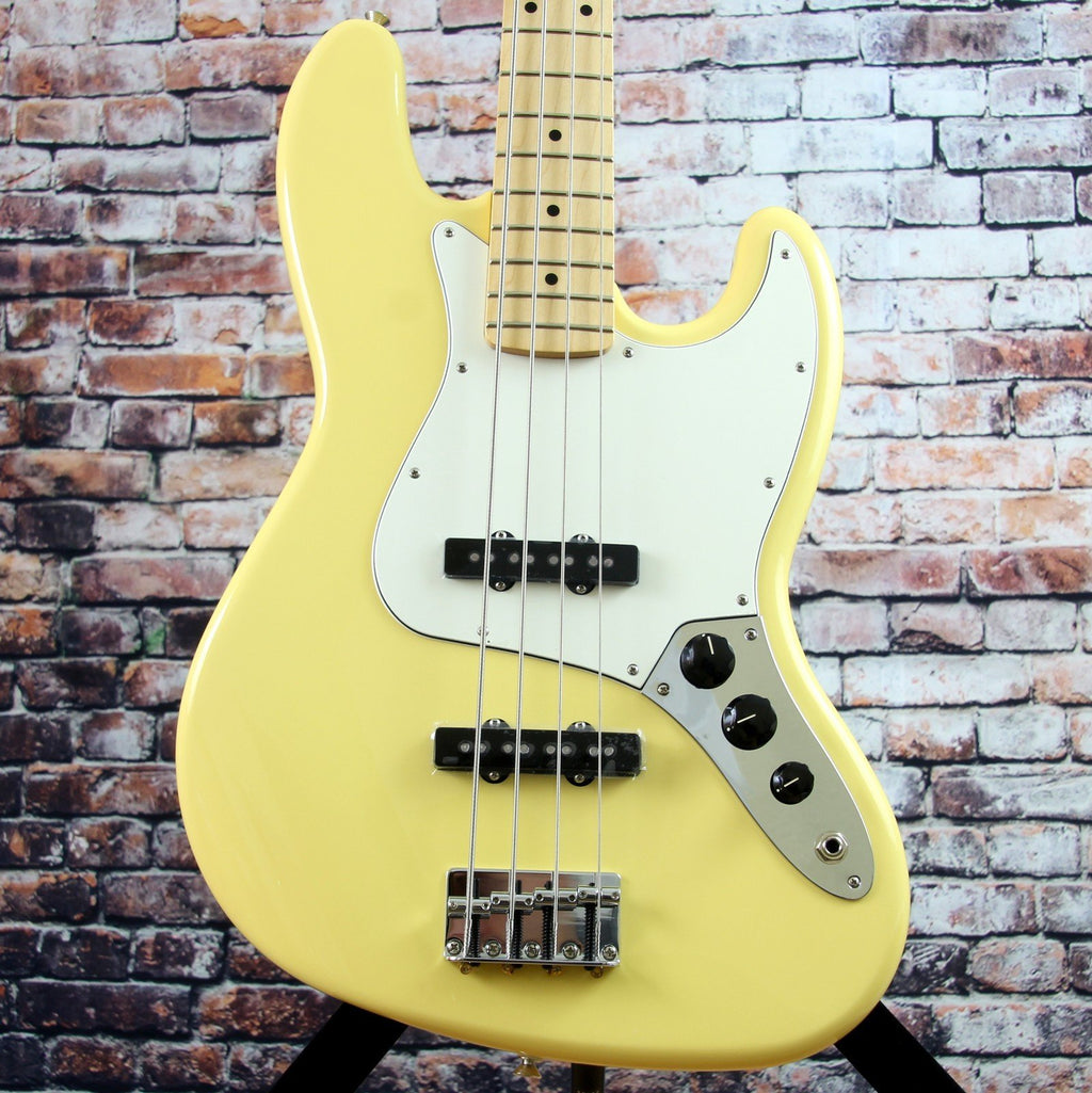 Fender Player Jazz Bass | Buttercream Finish | Maple Fingerboard