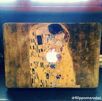 The Kiss by Gustav Klimt MacBook skin