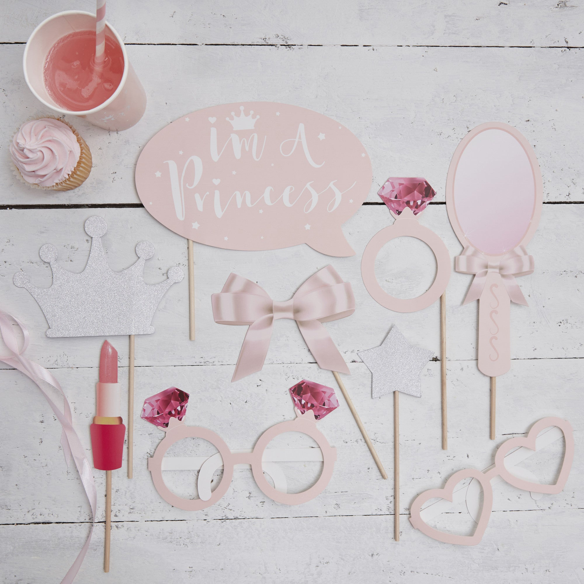 .Princess Party Photo Booth - The Sweet Hostess