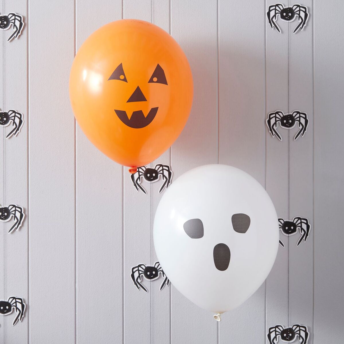 Spooky Halloween Balloons - The Sweet Hostess