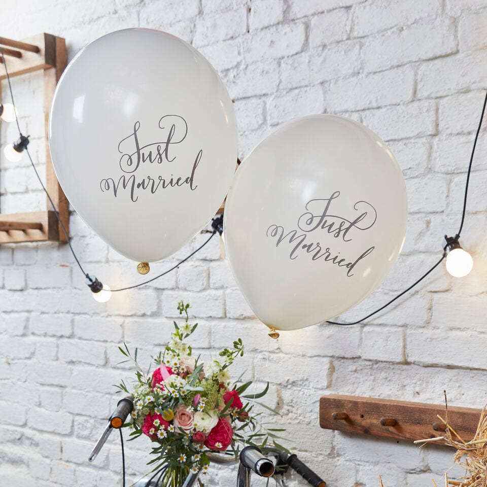 Just Married Balloons - The Sweet Hostess  - 1