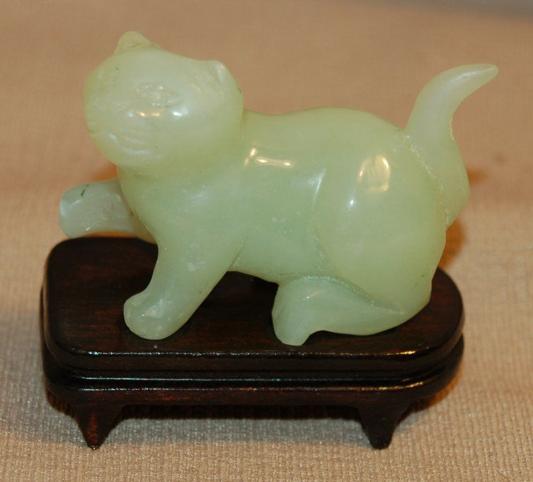 Jade Cat with Tail Up