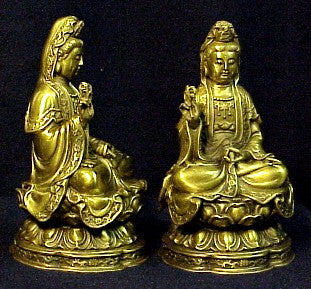 Beautifully detailed Sitting Bronze Quan yin 7 inches Tall