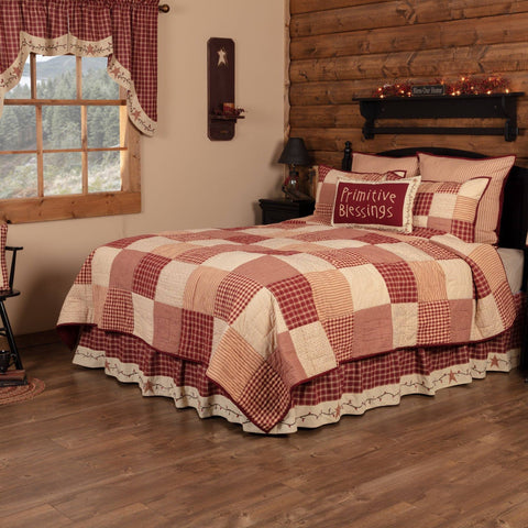 Cheston with star and pip bed skirt