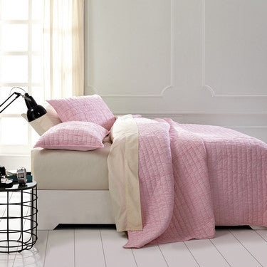 Rochelle Pale Pink Bedding