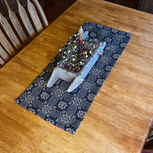 Gettysburg Black and Tan Woven Table Runner 32""