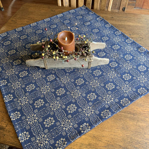 Gettysburg Navy and Creme Woven Small Table Cloth 34""