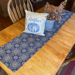 Gettysburg Navy and Tan Woven Table Runner 56""