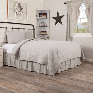 Hatteras Blue Seersucker Coverlet Bundle