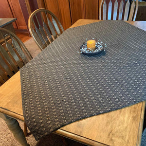 Packsville Rose Black Woven Table Cloth 52x52""