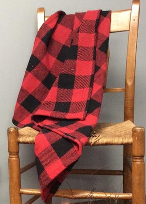 Red and Black Buffalo Check Woven Throw