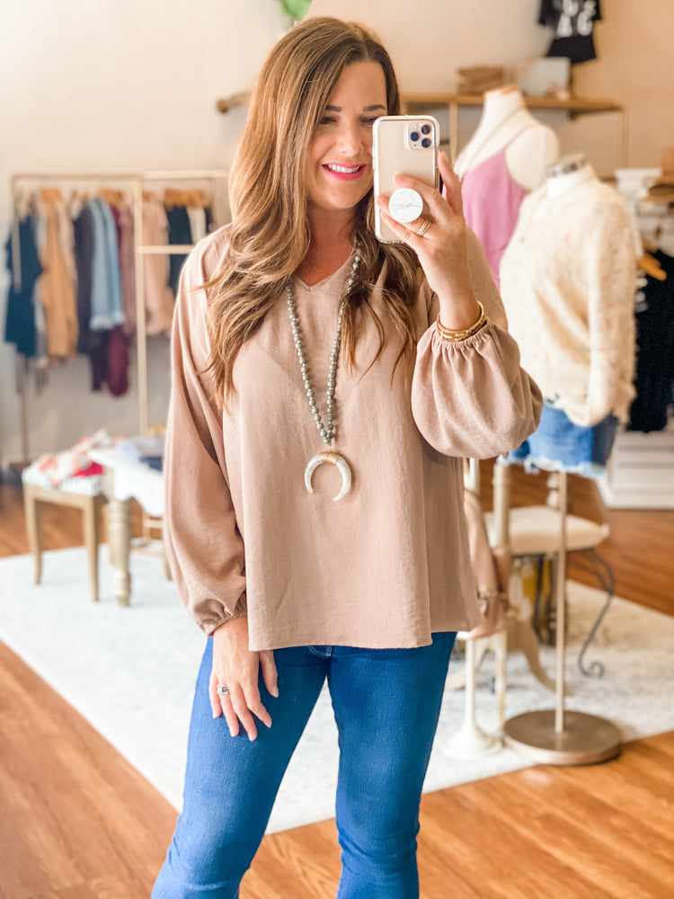 The Hanna Top in Mocha