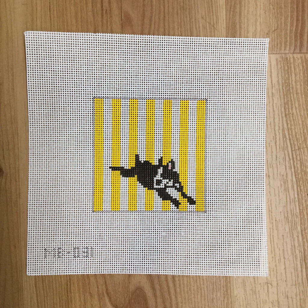 Boston Terrier Lying - KC Needlepoint