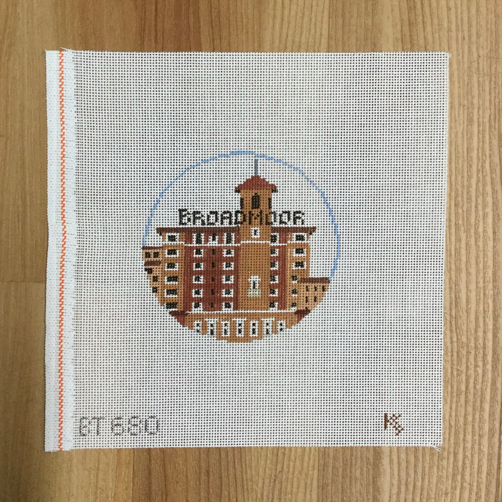 Broadmoor Resort Travel Round Canvas