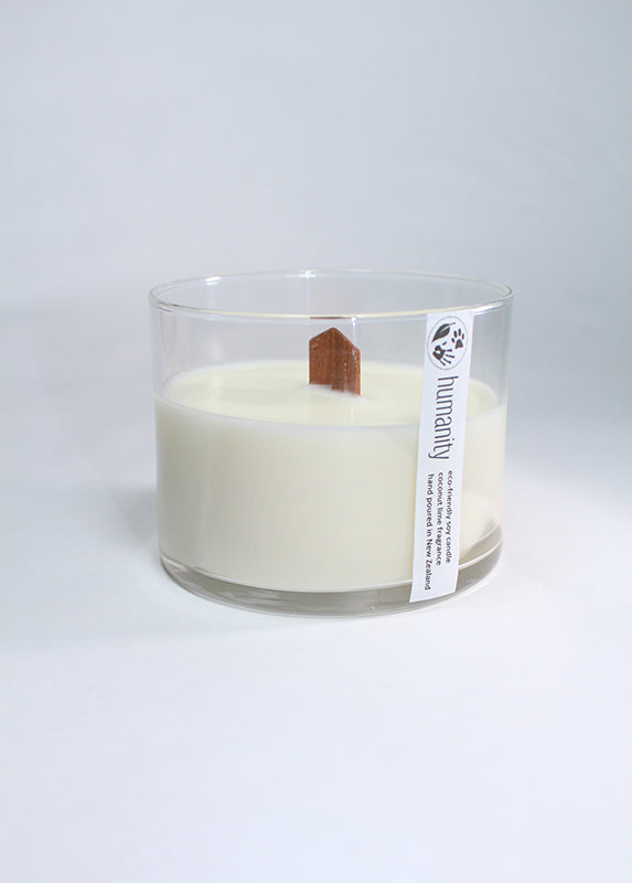 Coconut Lime - Medium Wooden Wick Candle