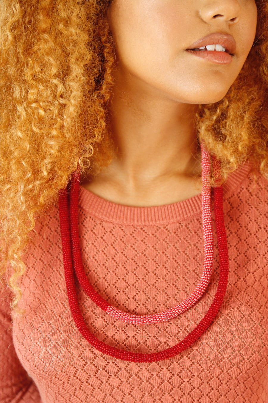 Loop necklace in red-rose duo