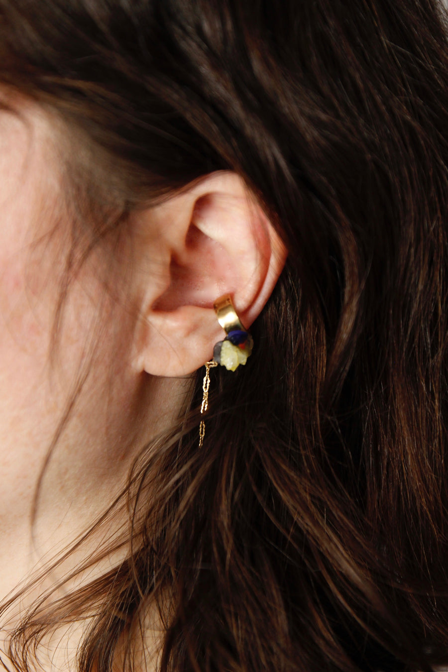 Unique Handcrafted Dangling Ear Cuff by Gré with yellow spirit quartz, brass and gold chain