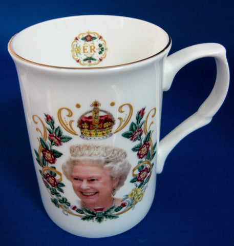 Queen Elizabeth II Diamond Jubilee Mug English Bone China 2012 - Antiques And Teacups - 1