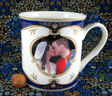Wedding Kiss Mug Will And Kate English Boxed Bone China England - Antiques And Teacups - 1